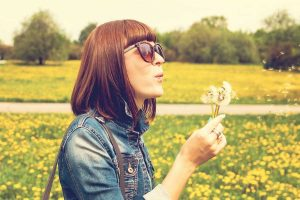 cinco consejos para cuidar tus ojos en primavera